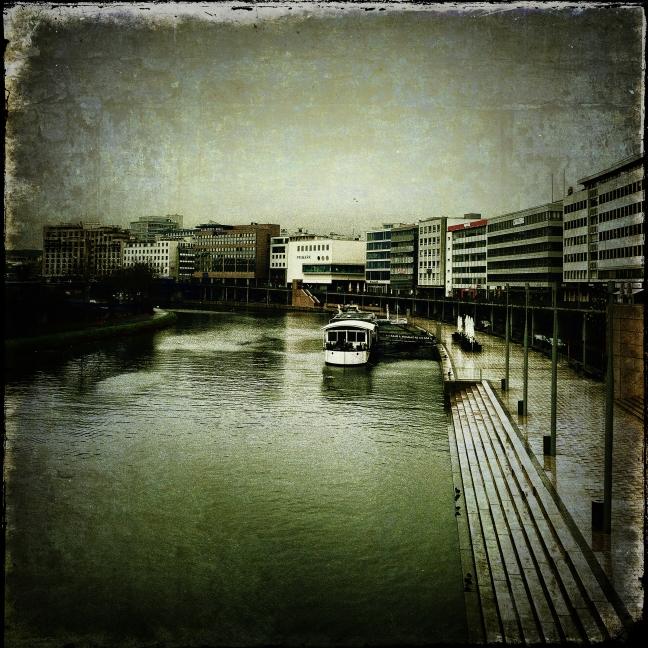 Stadt am Fluss 02_02